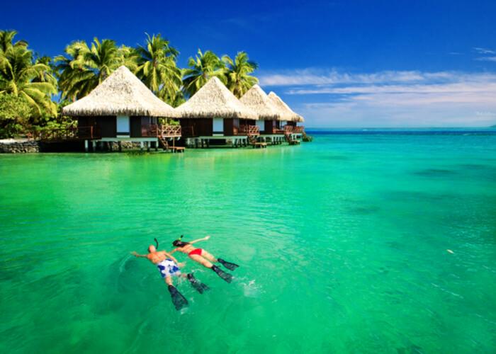 viaje de novios buceando en Polinesia