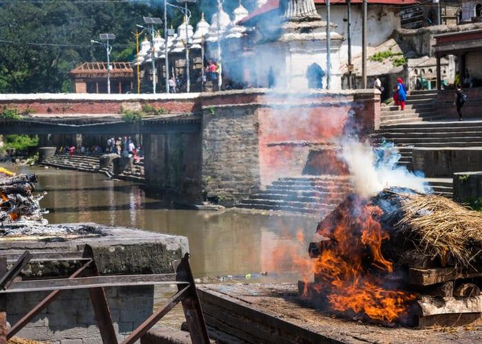 viaje-nepal-pashupatinath