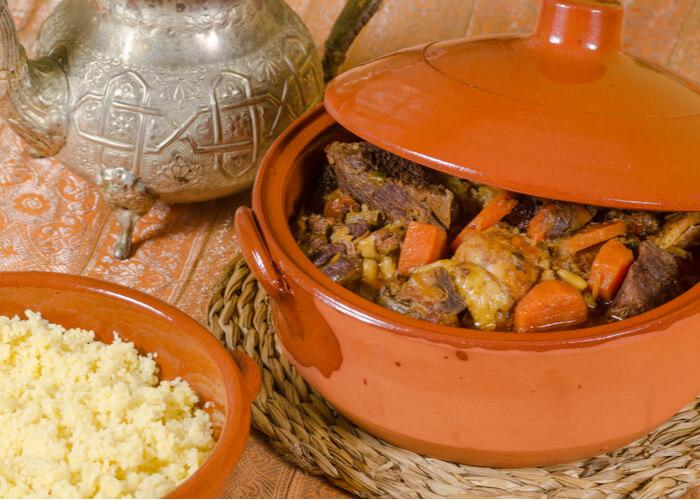 viaje-a-marruecos-imprescindible-gastronomia-couscous-y-tajin