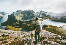 viajes-solo-aptos-amantes-naturaleza-paisaje-montaña-noruega