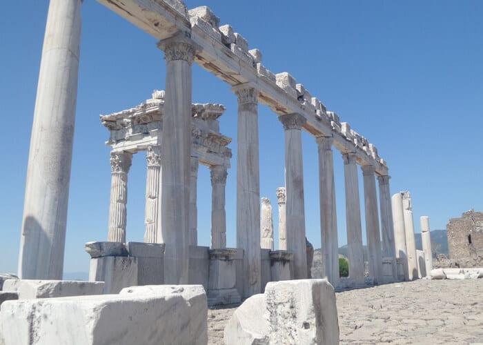 viaje-a-turquia-diferente-pergamo-ruinas