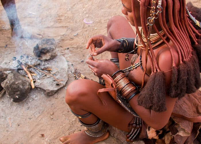 viaje-namibia-himba-tribu