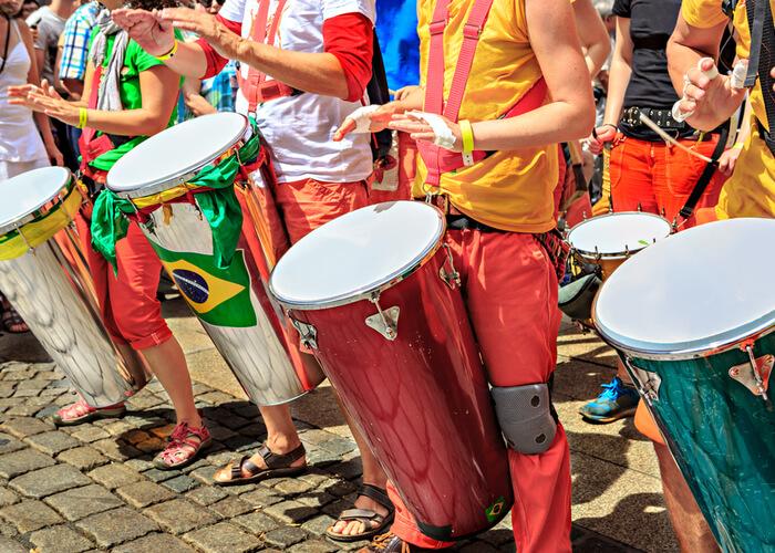 viaje_brasil_carnaval_salvador_bahia_bongos
