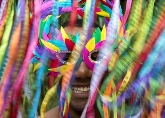 viaje_brasil_carnaval_salvador_bahia_mascara