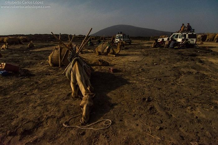 viaje-autor-etiopia-campamento