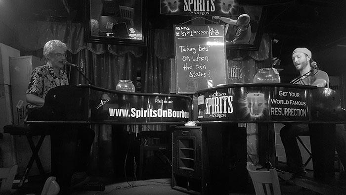 viaje-orleans-duelo-pianos