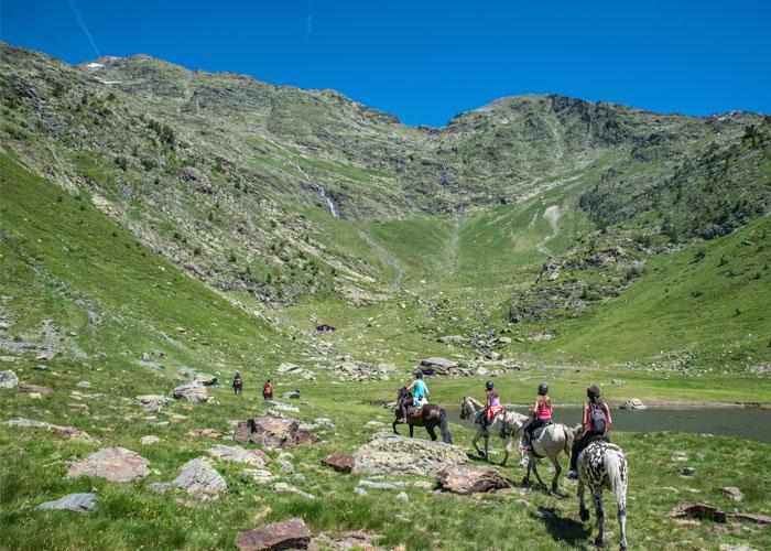 viaje-andorra-caballo-naturaleza