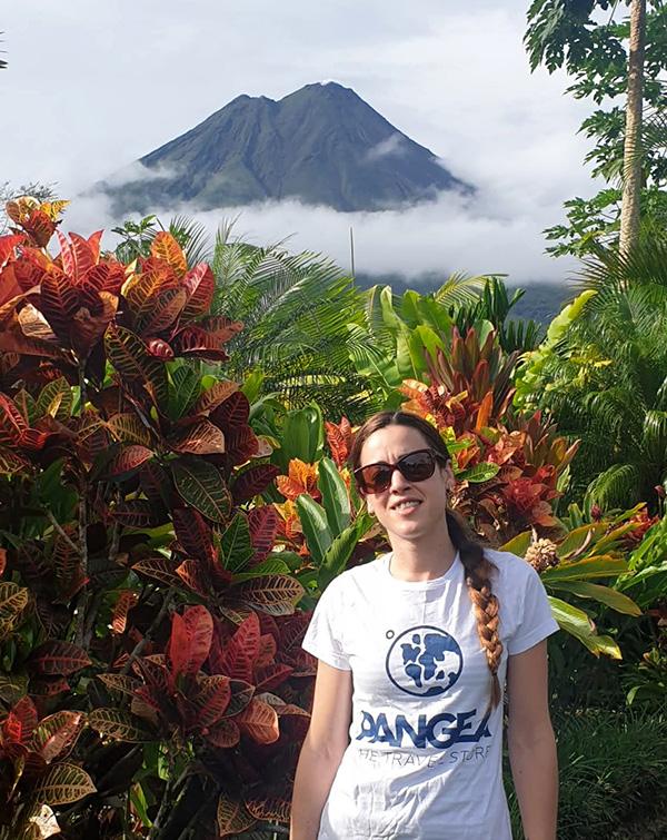 Volcán-costa-rica-Maria-covid